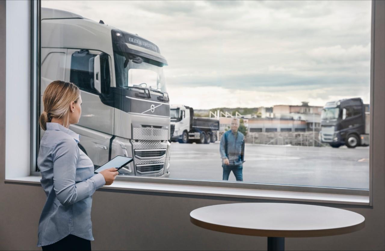 Volvo FH, customer and volvo salesman at Volvo dealership